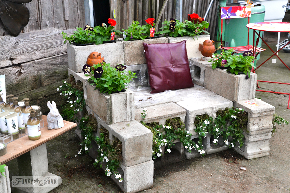 Concrete flowering seat